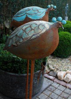- raku - - List of the most creative DIY and Crafts Clay Birds, Ceramic Birds, Ceramic Animals, Clay Animals, Ceramic Flowers, Ceramic Pottery, Pottery Art, Ceramic Art, Sculptures Céramiques