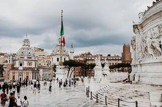 #holiday #italy #lazio #roma #rome #architecture #buildings #people #piazza #venezia #altare #della #patria #altar #fatherland #monument #vsco #canon #photography #church #sky #clouds #blue #white