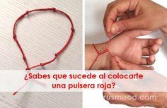 ¿Sabes que sucede al colocarte una pulsera roja? Arm Bracelets, Bracelet Knots, Seed Bead Bracelets, Bracelets For Men, Friendship Bracelets, Red String Bracelet, White Magic, Just Girl Things, Adjustable Bracelet