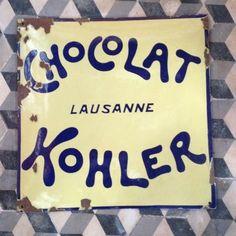 plaque émaillée ancienne chocolat Kolher Laussane enamelled plate tin 50X50cm