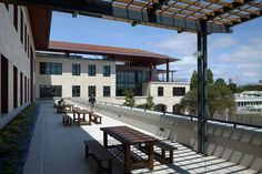 Exterior Courtyard of Stanford's Y2E2 Building