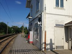 See 7 photos from 138 visitors to Frogner stasjon. Us Shop, Four Square, Shopping, Collection