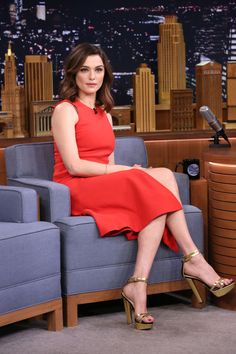hollywood-fashion: Rachel Weisz at an appearance on The Tonight Show Starring Jimmy Fallon promoting Youth on November Rachel Weiss sexy crossed legs in a high slit red dress and towering platform high heels Rachel Weisz, Red Pencil, Pencil Dress, Westminster, Celebrity Dresses, Celebrity Style, Celebrity Photos, Kate Winslet, Jimmy Fallon