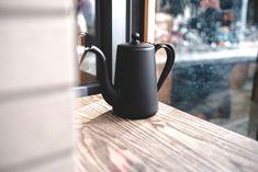 Kurasu限定カラーのマットブラック YUKIWA ケトル👀 確かな機能性と かわいい見た目!!!  Yukiwa drip pot, Custom matt black color exclusive to Kurasu👀 Brewing Equipment, Kettles, Kyoto Japan, Best Coffee, Coffee Maker, Lifestyle, Coffee Maker Machine, Coffee Percolator, Coffee Making Machine
