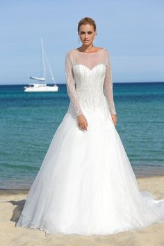 Wedding Dresses and Wedding gowns by Ladybird de Luxe 25012lx