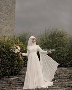 Dilamedmoda Dilamed There are different rumors about the annals of the wedding dress; tesettür First Narration; Hijabi Wedding, Muslimah Wedding Dress, Muslim Wedding Dresses, Boho Wedding, Dress Wedding, Wedding Simple, Wedding Bridesmaids, Bridesmaid Dresses, Bridal Hijab