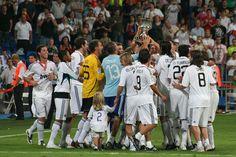 Celebrando el primer título de la temporada - Real Madrid C.F. - Wikipedia, the free encyclopedia