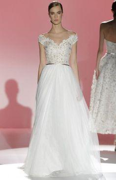 Mais de 50 vestidos de noiva para arrasar nesta Primavera-Verão – escolham o vosso! Image: 39