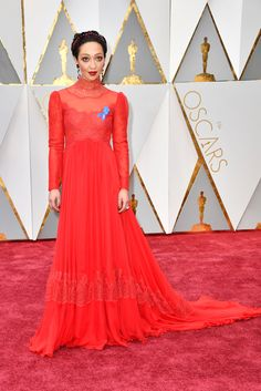 Ruth Negga at the 2017 Oscars in a Valentino dress and Irene Neuwirth for Gemfields jewelry