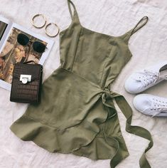 Green Summer Dress ~ Princess Polly Source by madeutsch dress outfits Green Summer Dresses, Cute Summer Outfits, Cute Casual Outfits, Pretty Outfits, Stylish Outfits, Winter Outfits, Girls Casual Dresses, Tight Dresses, Casual Summer