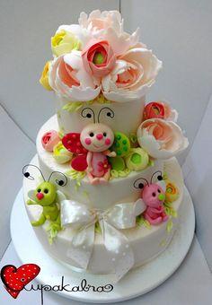 https://www.facebook.com/Ciupakabra.cakes/photos/a.151635968198932.26296.138658532830009/941430692552785/?type=3