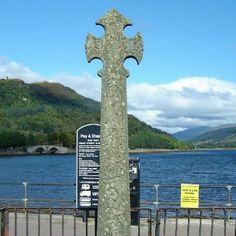 inverary scotland | Celtic cross from the 1500s, in Inverary, Scotland.
