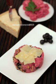 Beef Tartare with Mushrooms, Blueberries and Parmigiano Reggiano - Tartare di manzo con finferle, mirtilli e Parmigiano Reggiano per il #PRChef2015