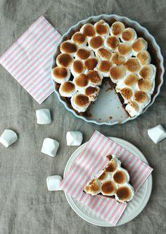 Nugatti Pai + Salted Peanutbutter Cookie Crust! Cookie Crust, Peanut Butter Cookies, Marshmallows, Drink, Baking, Desserts, Food, Father, Beverage