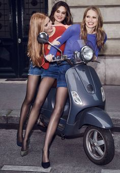 """""""I will wear tights even if it's 100 degrees outside. Tights are my safety blanket. Pantyhose Outfits, Black Pantyhose, Black Tights, Vespa Girl, Scooter Girl, Chicks On Bikes, Girls Together, Stockings Legs, Biker Girl"""