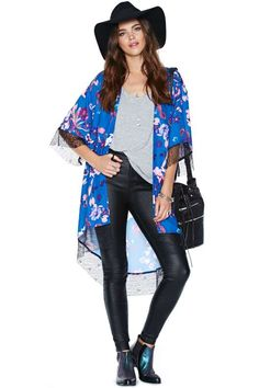 Love this whole look!!! Nasty Gal Stay on Tropic Kimono
