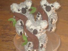 Koala Bear Cake Pops by Cake Pop Creations, via Flickr