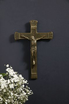 Traditional Antiqued Brass Crucifix