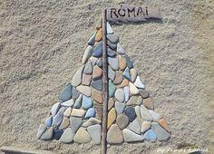Stone and driftwood art by tamas kanya