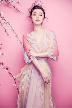 Iris - The Greek Goddess of the rainbow 范冰冰 Fan Bing Bing Fan Bingbing, Fashion Shoot, Editorial Fashion, Asian Woman, Asian Girl, My Fair Princess, Diana Penty, Chinese Actress, Celebs