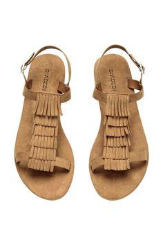 Designer Clothes, Shoes & Bags for Women H&m Shoes, Strappy Shoes, Flat Shoes, Looks Hippie, Clog Boots, Fringe Sandals, Shoe Pattern, Beautiful Shoes, Bag Accessories