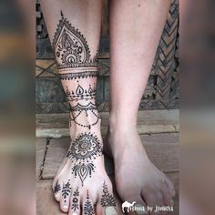 """Henna By Jorietha's Instagram post: """"#henna #hennabyjorietha #hennafeet #hennafoot #hennapretoria #hennasouthafrica"""" Cool Henna Designs, Tattoo Designs, Henna Feet, Moroccan Henna, Hand Mehndi, Natural Henna, Bridal Henna, Henna Artist, Tattoo Inspiration"""