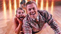 Bindi Irwin Doesn't Let Injury Stop Her From Dancing High-Energy Quickstep