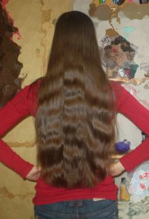fairy hair beauty: gorgeous thin long hair - yes, her hair is rather thin too (ponytailcircumference slightly over 6cm). Healthy, shiny hair without visible taper makes all the difference