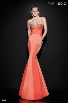 Bella tendencias en la moda   Colección Tarik Ediz