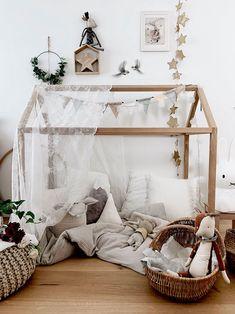 This bunk beds for girls room is undeniably an impressive design approach. - This bunk beds for girls room is undeniably an impressive design approach. This bunk beds for girls room is undeniably an impressive design approach. Bunk Beds For Girls Room, Kids Bedroom, Deco Jungle, Modern Bunk Beds, Fantasy Bedroom, Romantic Room, Toddler Rooms, Toddler Girls, Little Girl Rooms