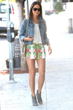 Casual summer outfit #denimjacket #floral