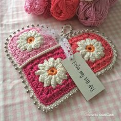 Transcendent Crochet a Solid Granny Square Ideas. Inconceivable Crochet a Solid Granny Square Ideas. Crochet Diy, Love Crochet, Crochet Gifts, Crochet Flowers, Crochet Hooks, Crochet Round, Crochet Ideas, Beautiful Crochet, Point Granny Au Crochet