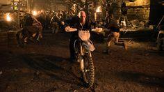 """★ Xander Cage ist zurück und ihr könnt ihn als Erstes im Kino sehen! Wir verlosen 25x2 Tickets für die Special Preview zu """"xXx: Die Rückkehr des Xander Cage"""" in IMAX 3D am 18. Jänner um 18 Uhr im Cineplexx Donau Plex!  Schriebt und einfach eine E-Mail mit dem Betreff """"xXx"""" und eurer Postleitzahl an gewinn@cineplexx.at. Viel Glück! :)"""