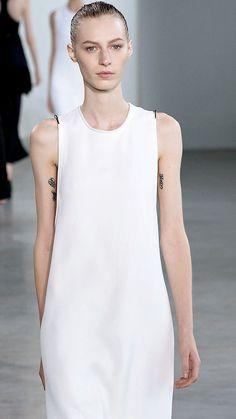 Shop the latest Calvin Klein designer clothes; All Fashion, Fashion Details, Fashion Show, Fashion Outfits, Fashion Design, Phresh Out The Runway, Calvin Klein Collection, Minimal Fashion, Contemporary Fashion