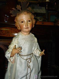 Espléndido niño Jesús de tamaño considerable. Es una talla cap y pota