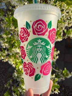 Starbucks Cup Art, Custom Starbucks Cup, Starbucks Logo, Starbucks Tumbler, Starbucks Drinks, Personalized Starbucks Cup, Personalized Cups, Cup Logo, Disney Cups