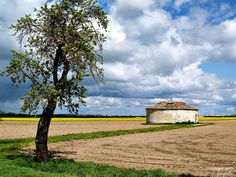 Arquitectura Rural by anpegom, via Flickr