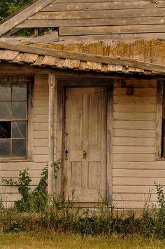 Abandoned house (Photo taken by Jayna Rice)