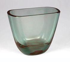 Turkoosisävyistä lasia. Lassi, Turquoise Glass, Glass Design, Finland, Glass Art, Perfume Bottles, Sculpture, Modern, Beautiful