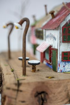 One of a kind. A street in paris miniature four houses with street signs coff One of a kind. A street in paris miniature four houses with street signs coff Pin: 736 x 1104 Sea Crafts, Wooden Crafts, Home Crafts, Driftwood Projects, Driftwood Art, Small Wooden House, Wood Creations, Miniature Houses, Street Signs