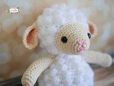 Little Crochet Lamb Amigurumi Free Pattern – Free Amigurumi Patterns Crochet Teddy, Easter Crochet, Crochet Bear, Cute Crochet, Crocheted Animals, Crochet Hooks, Stuffed Animal Patterns, Crochet Patterns Amigurumi, Free Pattern