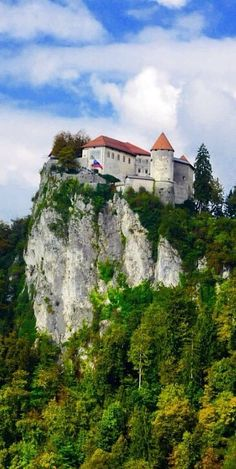 Photo taken by Gloria Bolton Beautiful Castles, World's Most Beautiful, Beautiful Buildings, Beautiful Places, Castle Ruins, Castle House, Slovenia Travel, French Chateau, Architecture Old