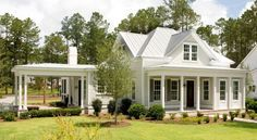 """""""Useful Gray"""" exterior.The Jekyll - traditional - Exterior - Charleston - Shoreline Construction and Development Exterior Paint Colors, Exterior Design, Paint Colours, Roof Design, House Design, Cabin Design, Facade Design, Exterior Tradicional, Cute Small Houses"""