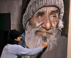Mustafa YÜCE is amazing portrait artist using soft pastel for his drawings