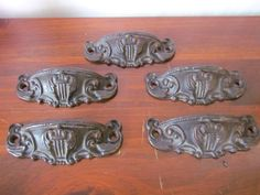 Antique set of 5 cast iron drawer pulls - repurpose your furniture with these beauties or add them to your custom build for a classic look. In