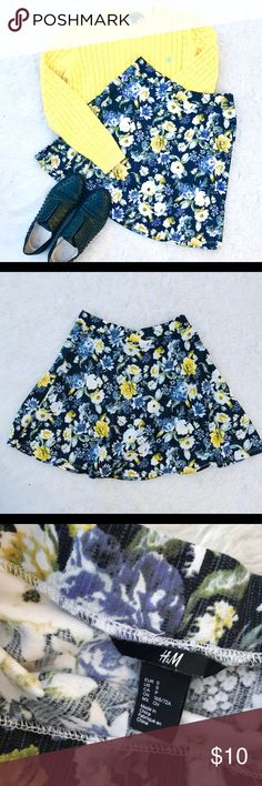 H&M Floral Skater Skirt Beautiful H&M Skirt in NWOT Condition. Colorful and perfect for this upcoming season. Mini skater skirt style. Stretchy with a stretchy waistband. Size s fits true to size let me know if there's any more questions! H&M Skirts Circle & Skater
