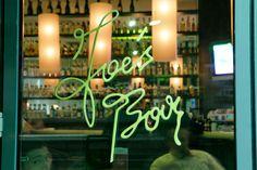 Joe´s Bar Atrium, Vienna Hotel, Best Rated, Salzburg, Berlin, Neon Signs, Bar, Linz, Stuttgart