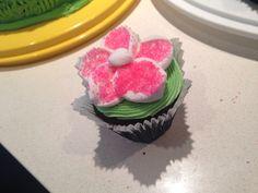 Flower cupcake Flower Cupcakes, Desserts, Flowers, Food, Tailgate Desserts, Deserts, Florals, Meals, Dessert