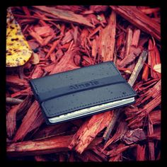 Ainste Evan wallet #Ainste #wallet #edc #everydaycarry #seattle #wallet #fancy #RFID #buscemi #ridiculouslifestyle #smsaudio #justin #louboutin #modern #luxury #goods #newyork #nordstrom More info at http://www.ainste.com