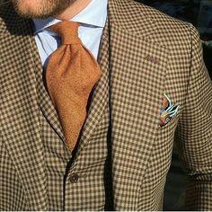 Amazing colors - ✔ Killer suit - ✔ Wonderful model - ✔ Yeah that's Curtis